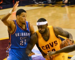 LeBron_James_vs_Andre_Roberson