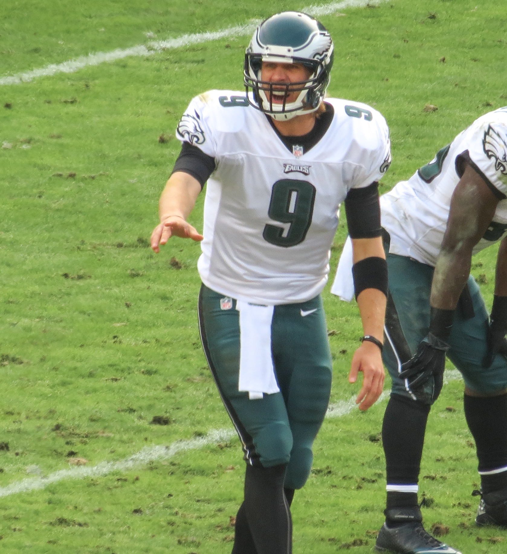 nick_foles_calling_play_in_2012